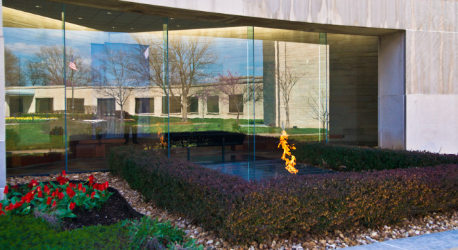 Where Harry S. Truman is buried and the eternal flame
