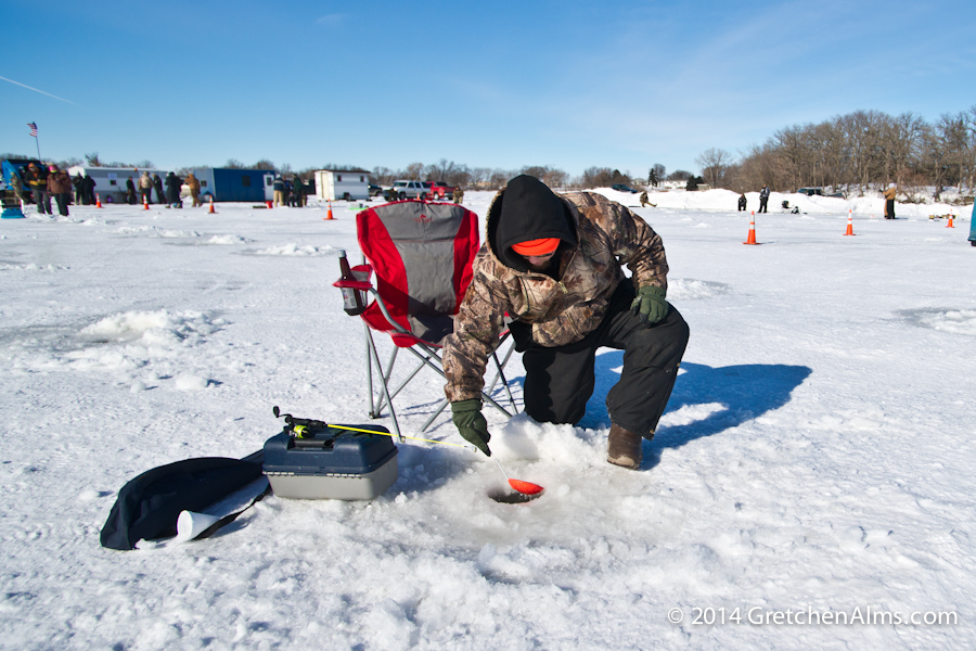 The basics of ice fishing minnesota living for Ice fishing minnesota