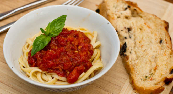 Spaghetti made with roasted tomatoes