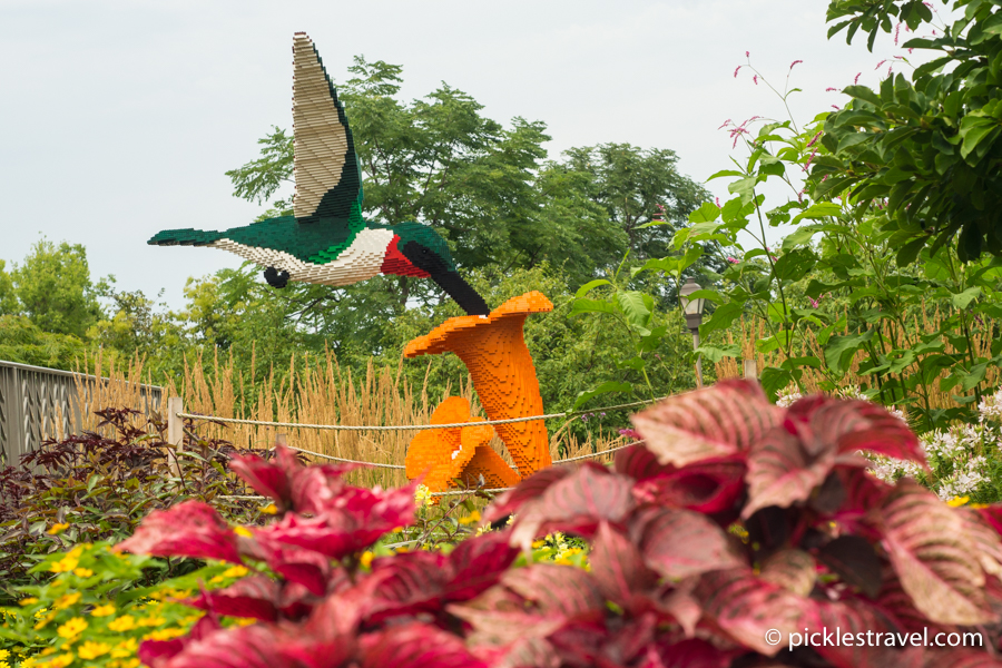 Hummingbird on Flower: Nature Connects: Art with LEGO® Bricks