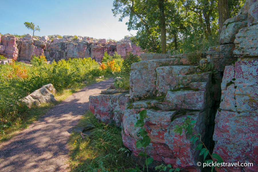 Walking trail along Pipestone Quartzite Cliffs