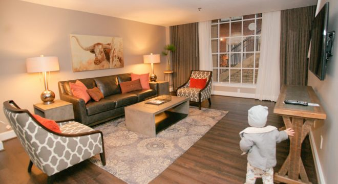 pet friendly and toddler friendly living room at Magnolia Omaha Hotel